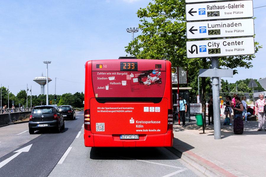 AUPRION-Buswerbung-Heckflaeche-plus_Leverkusen-Kreissparkasse