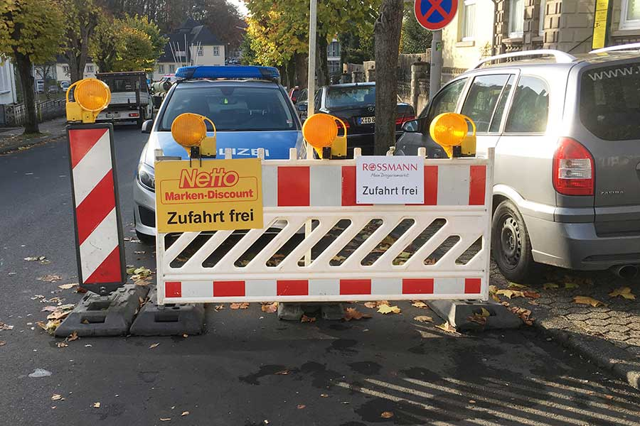 AUPRION-Baustellenplakatierung_individuell_Montabaur_Hinweismedium_Aktionsmedium