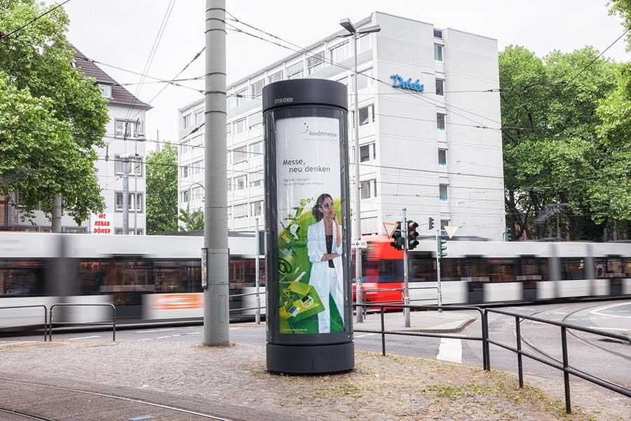 City-Light-Saeule_Koeln-Aktionsmedium_koelnmesse_Koeln